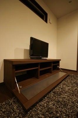 徳島県で家を建てるならサーロジック-TVボード