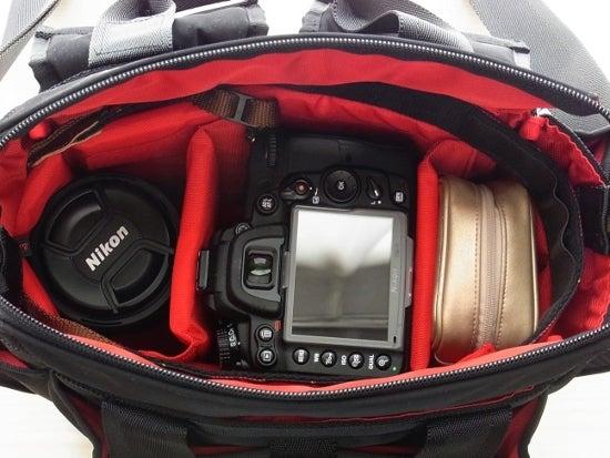 $全てのコスメは美に通ず-アルティザン&アーティスト カメラバッグ