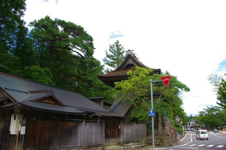 高野山への道-六時の鐘(西から)