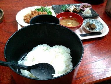 ときどきグルメになりたくなるブログ-秋田県能代市やま久のボリュームランチ1
