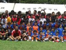 神戸製鋼の選手たちと記念撮影