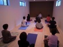 $ヨーガ・ライフ・ソサエティ The Yoga Life Society (Y.L.S.)