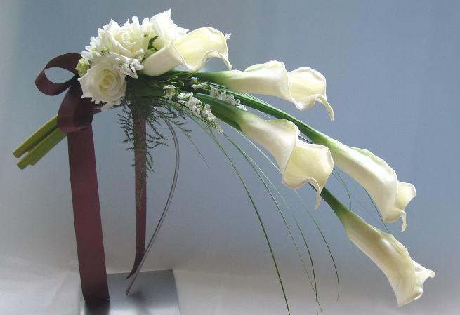 花嫁のブーケ-カラーのアームブーケ