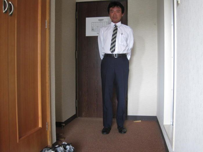 $歩き人ふみの徒歩世界旅行 日本・台湾編-ネクタイ着用