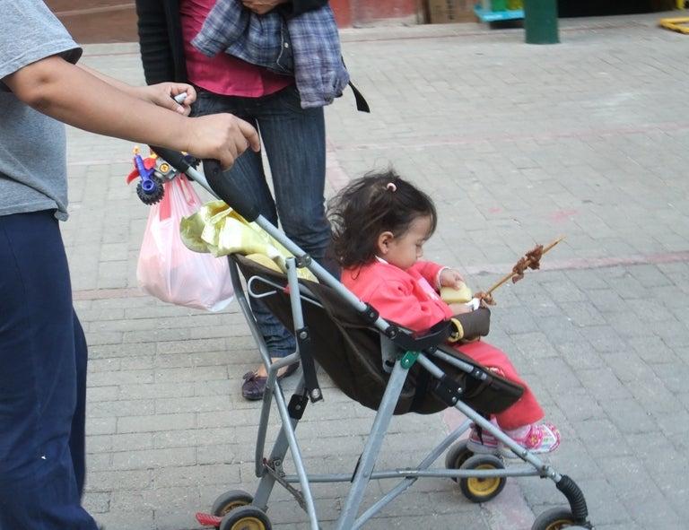 LA BODEGA PERUANA-una bebe con carne asado