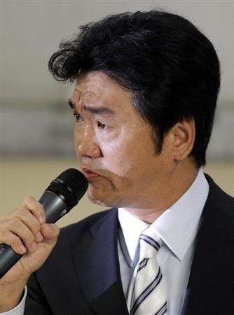 気になるあの言葉・あのニュース!大辞典-島田紳助 引退記者会見で涙4