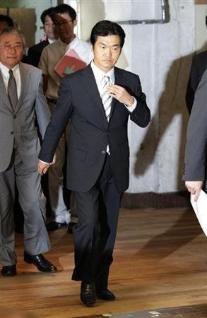 気になるあの言葉・あのニュース!大辞典-島田紳助 引退記者会見で涙6