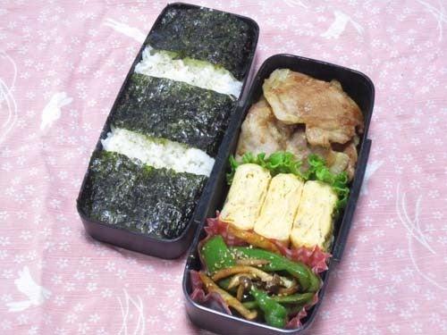 韓国料理サランヘヨ♪ I Love Korean Food-ピーマンとしめじの粉唐辛子炒め