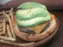 """Nicoleの""""英語で楽しい情報をどうぞ!""""-Avocado burger"""