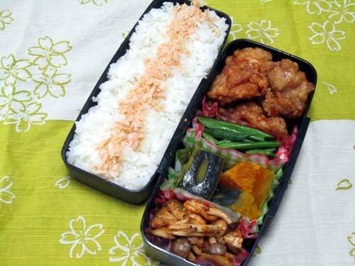 韓国料理研究家・ほんだともみのコリアンワールド-きのこの粉唐辛子炒め