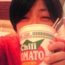カップ麺ならチリトマ…
