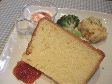 茨木市駅(阪急京都線) 徒歩8分 手作りの料理とケーキを提供する隠れ家カフェ           Cafe Sourire(カフェ スゥリール)-シフォン