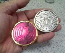腐ってやがる・・・ぷログ-欲望のメダルの重さ