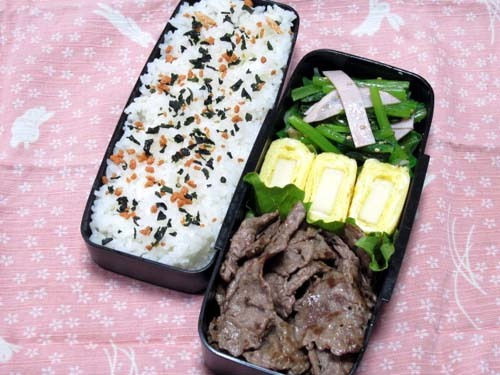 韓国料理研究家・ほんだともみのコリアンワールド-ハムと小松菜のナムル