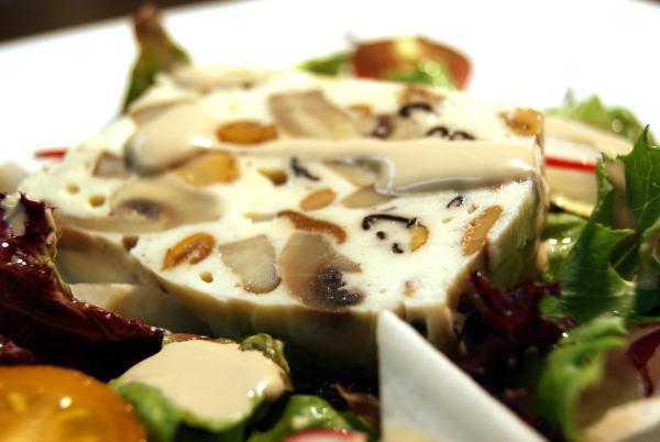 食べて飲んで観て読んだコト+レストラン・カザマ-キノコのテリーヌ