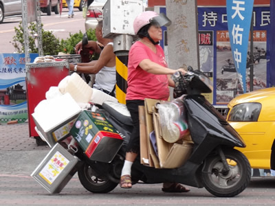 新・海外旅行論 - 初心者必見の海外旅行情報-台湾 台中 高尾 スクーター