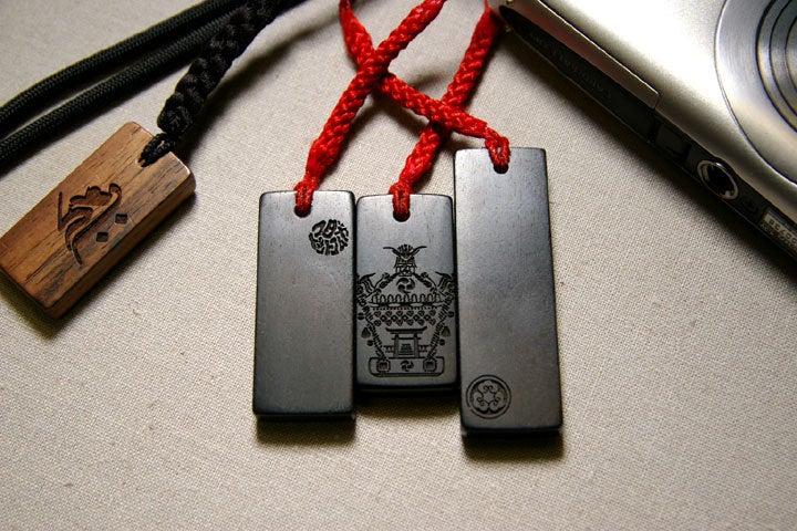 11-10-14青黒檀、携帯用デジカメに
