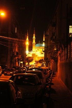 陽はまたのぼりくりかえす  -  Diary & Photos Of Traveling World --夜モスク。