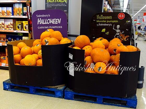 英国アンティークス・オフィシャルブログ-Halloween in the UK