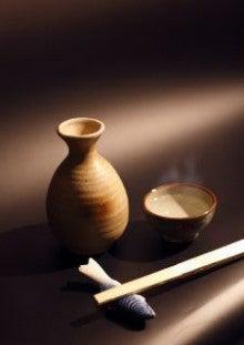 なぜ日本酒は熱燗にして飲むの?...