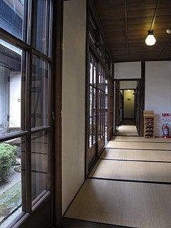 晴れのち曇り時々Ameブロ-旧堀切邸(廊下)