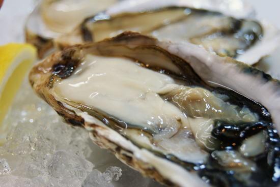 食べて飲んで観て読んだコト+レストラン・カザマ-生牡蠣