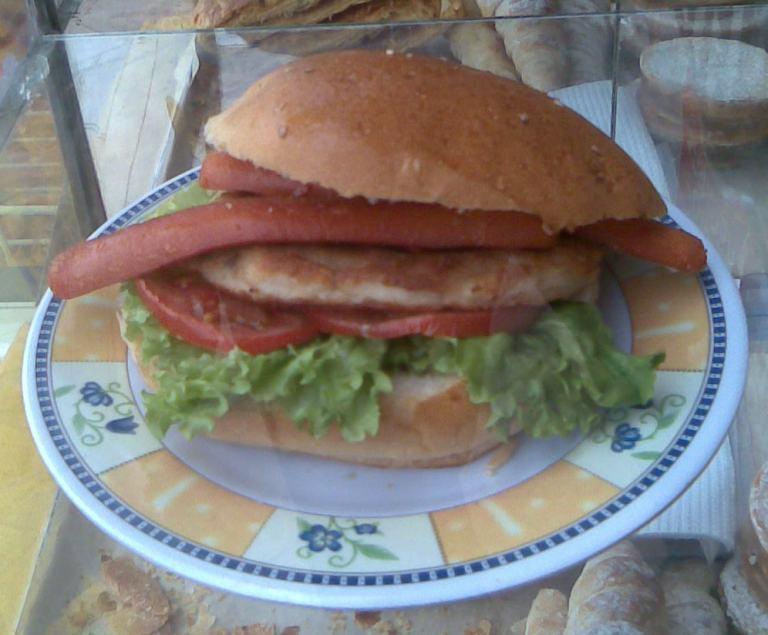 LA BODEGA PERUANA-リマにはないハンバーガー