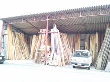 誂える・設える・拵える-住まい創り-建具打合せ枕木の門柱銘木屋さんって?ラス下地・ポーチ建方・屋根庇施工この床框は?聚遠亭/龍野