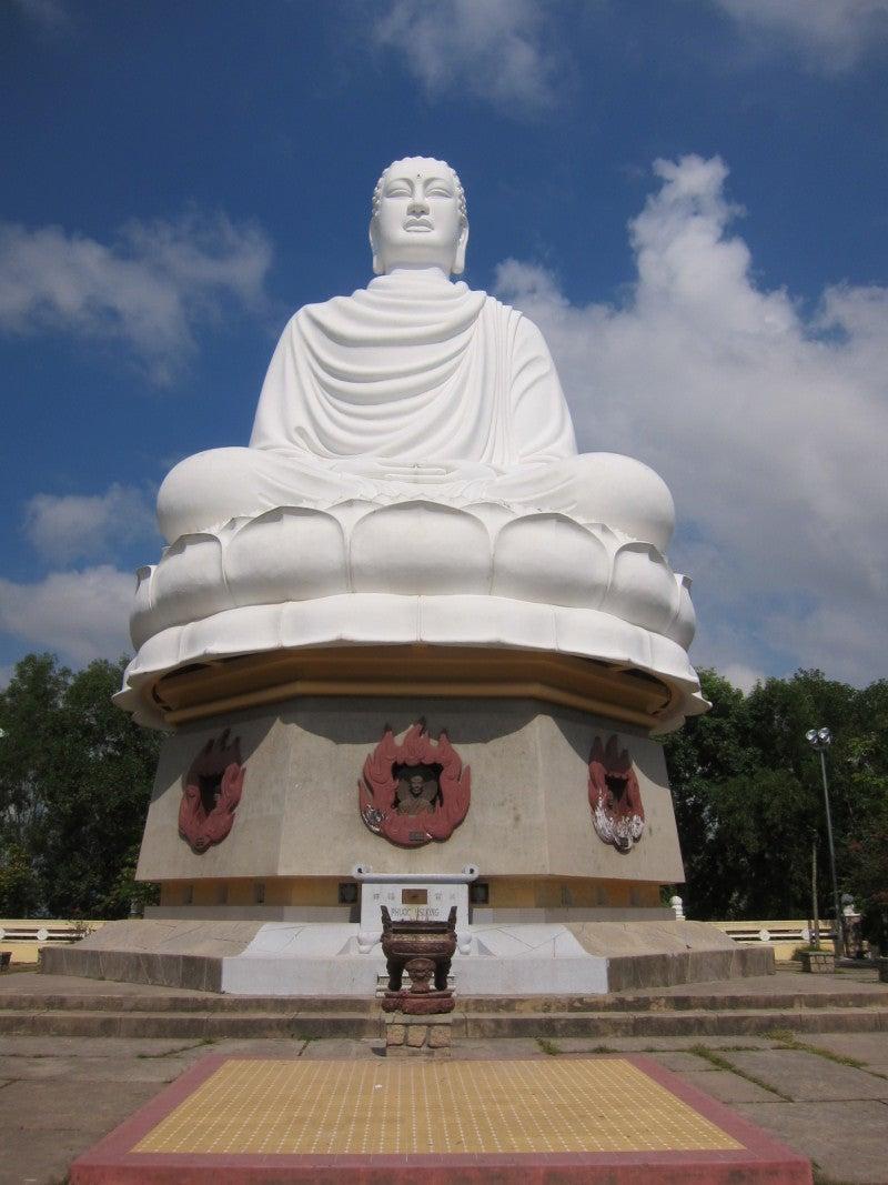 東南アジア - 旅ブログ-隆山寺の大仏