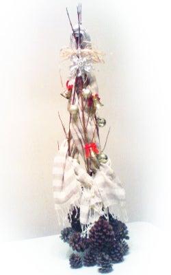 *カンボジアの綿クロマーと赤ちゃん帽子のお店*-クロマーでクリスマスツリー