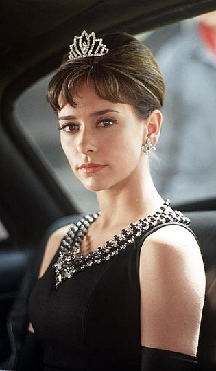 Time Tested Beauty Tips * Audrey Hepburn Forever *-jennifer_love_hewitt audrey
