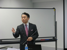 $「冨田賢のビジネス・エッセイ」~あなたのビジネスを加速する!~