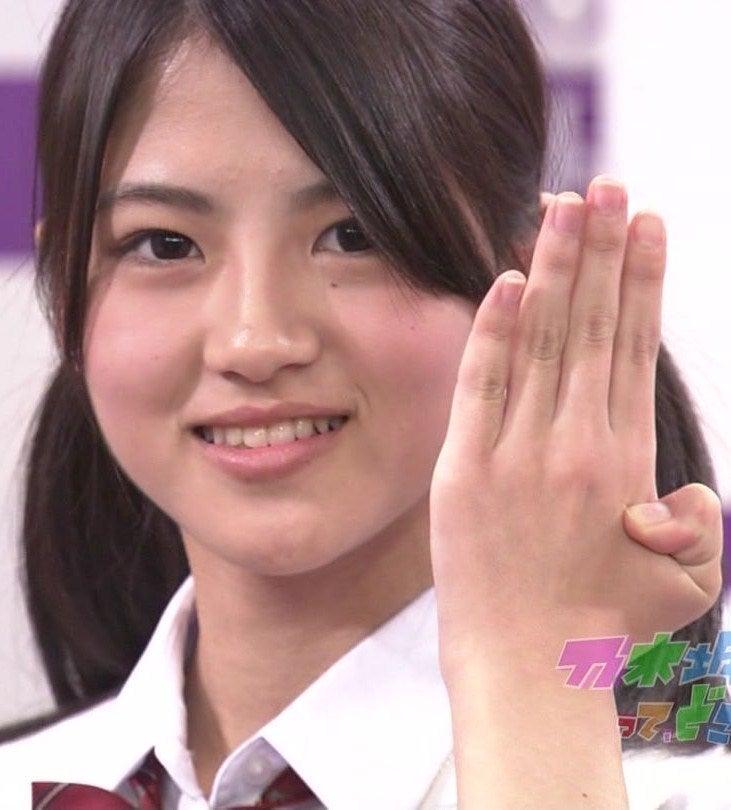 照れ隠しカーテンの【AKB48 画像 動画】照れ隠しカーテンさんのブログの記事、【謹慎】AKB公式ライバル乃木坂46メンバー若月佑美、エロいキス プリクラ流出で活動自粛
