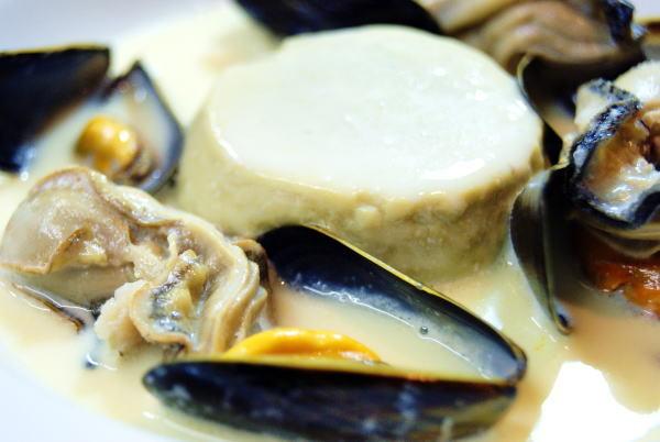 食べて飲んで観て読んだコト+レストラン・カザマ-牡蠣のフラン