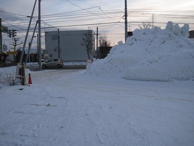 $歩き人ふみの徒歩世界旅行 日本・台湾編-道端の雪