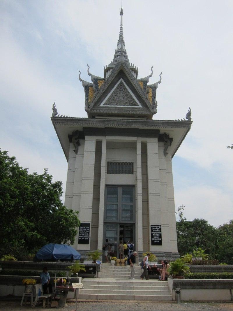 東南アジア - 旅ブログ-キリング・フィールド塔