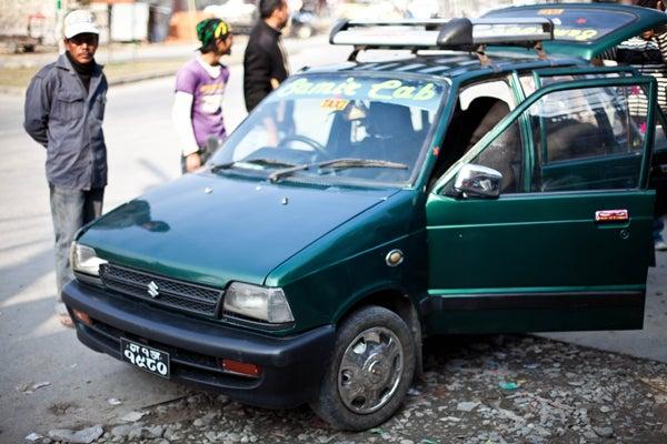 $ベンガル猫のひめちゃん-タクシー
