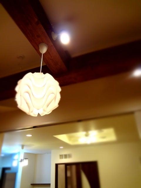 徳島県で家を建てるならサーロジック-梁と照明