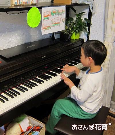 動画で見る!3分フラワーアレンジ-ピアノ弾いちゃうよ♪