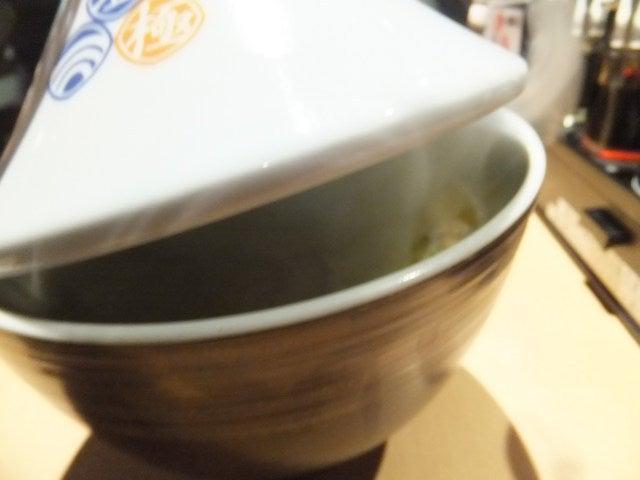にゃほのラーメン日記(仮)-蓋を開ける