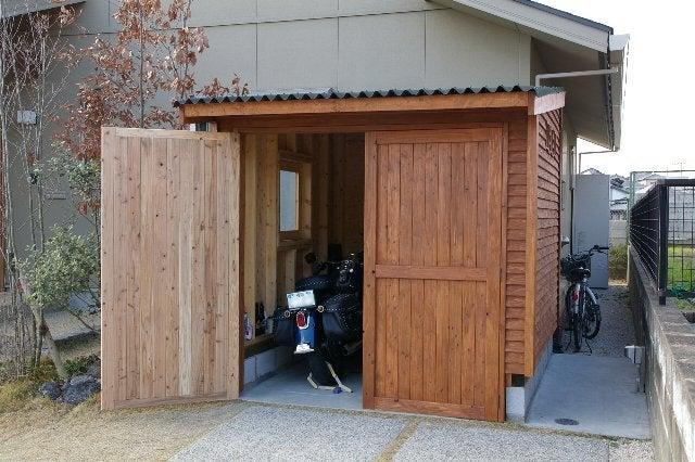 ドア塗装でほぼ完成 garage Life Amp Diy 〜バイクガレージのある暮らし〜