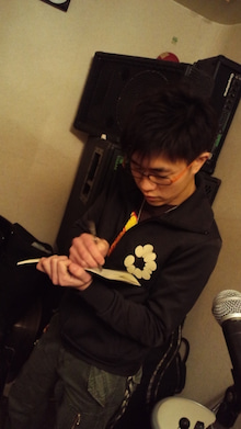 サザナミケンタロウ オフィシャルブログ「漣研太郎のNO MUSIC、NO NAME!」Powered by アメブロ-120203_2313~02.jpg