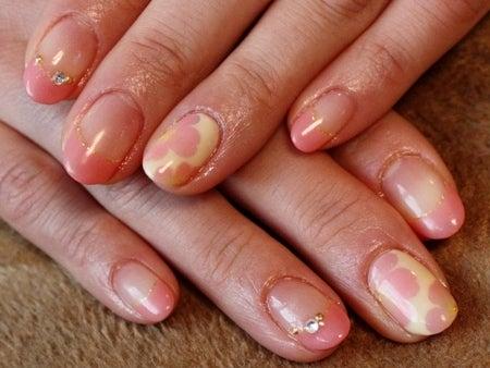 ネイルのレシピ~大人の女性のためのジェルネイル@松濤(渋谷)~-0207コーラルピンクのグラデ花柄