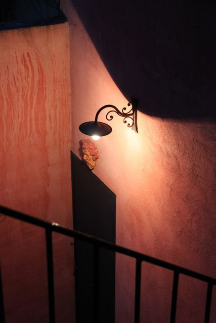 $プロヴァンス発 南フランス暮らし365日-夜の階段