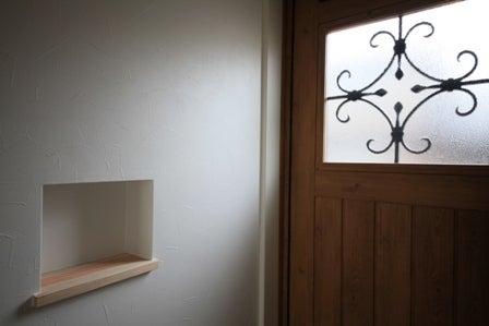 徳島県で家を建てるならサーロジック-玄関カントリードア