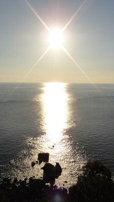 太平洋に沈みゆく太陽