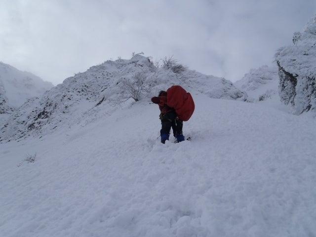 関西蛍雪山岳会のページ-0ピッチ目・ワカン装着のまま
