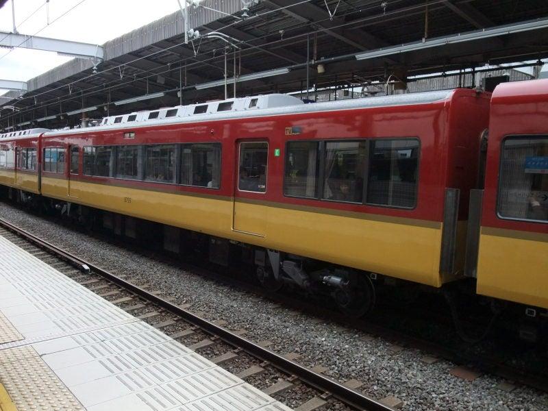 京阪8000系テレビカー