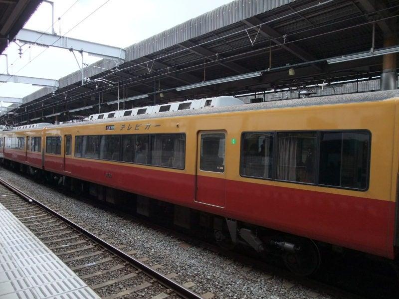 京阪8000系(旧塗色)テレビカー
