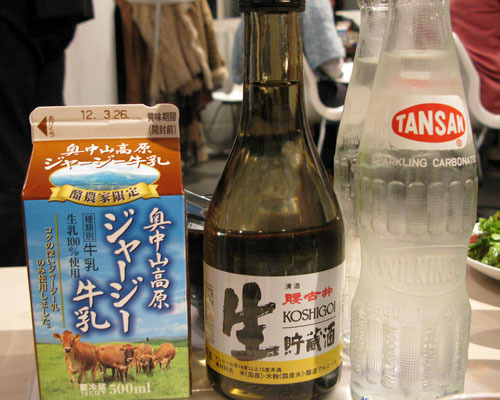 椿の『B級ご当地グルメ保存委員会』-お酒と炭酸と牛乳